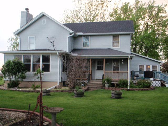 1449 N 32nd Road, Ottawa, IL 61350 (MLS #10384362) :: Berkshire Hathaway HomeServices Snyder Real Estate
