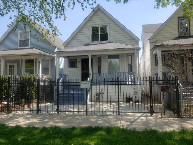 2321 N Tripp Avenue, Chicago, IL 60639 (MLS #10384532) :: Century 21 Affiliated