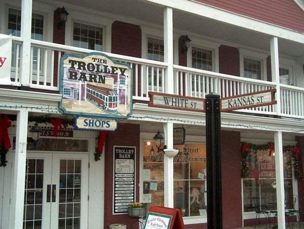 11 White Street #201, Frankfort, IL 60423 (MLS #10384681) :: Century 21 Affiliated