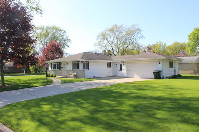 1213 Longmeadow Drive, Glenview, IL 60025 (MLS #10384721) :: Berkshire Hathaway HomeServices Snyder Real Estate