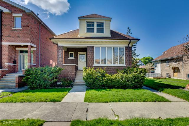 5631 W Eastwood Avenue, Chicago, IL 60630 (MLS #10384757) :: Berkshire Hathaway HomeServices Snyder Real Estate
