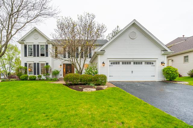 410 Fieldcrest Drive, Algonquin, IL 60102 (MLS #10384843) :: Berkshire Hathaway HomeServices Snyder Real Estate