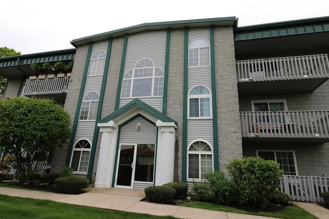 2899 Heritage Drive 2C, Joliet, IL 60435 (MLS #10384985) :: Lewke Partners