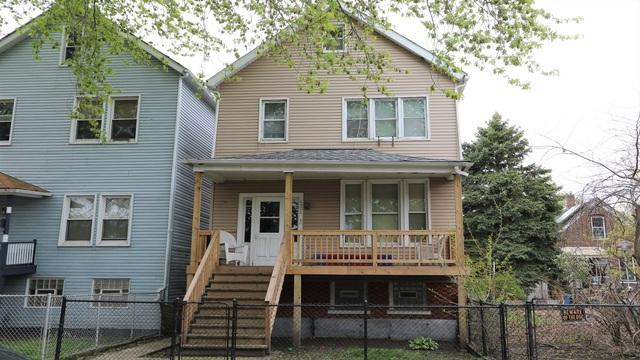 8506 S Mackinaw Avenue, Chicago, IL 60617 (MLS #10384999) :: Berkshire Hathaway HomeServices Snyder Real Estate