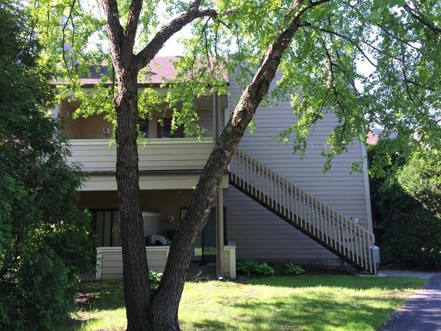 3322 Berwyn Avenue #230, North Chicago, IL 60064 (MLS #10385199) :: Lewke Partners