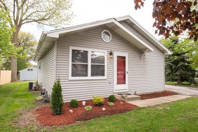 37961 N Lewis Avenue, Waukegan, IL 60085 (MLS #10385359) :: The Perotti Group | Compass Real Estate
