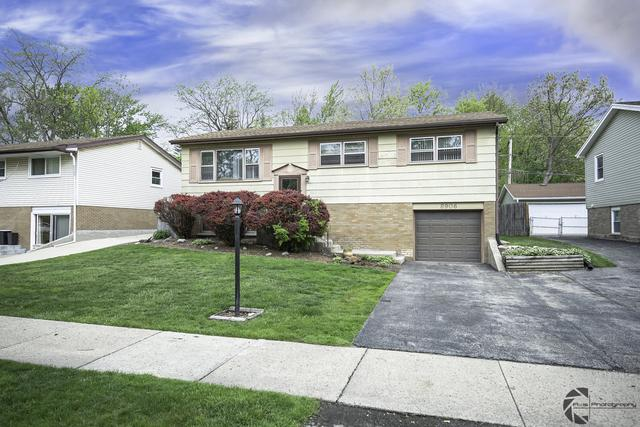 8906 W 91st Place, Hickory Hills, IL 60457 (MLS #10385390) :: Berkshire Hathaway HomeServices Snyder Real Estate