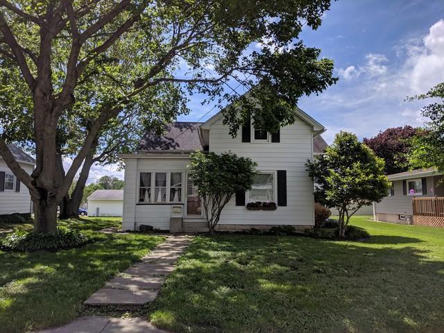 2108 5th Street, Peru, IL 61354 (MLS #10385426) :: Berkshire Hathaway HomeServices Snyder Real Estate