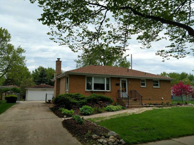 215 E Bryn Mawr Avenue, Roselle, IL 60172 (MLS #10385493) :: Berkshire Hathaway HomeServices Snyder Real Estate