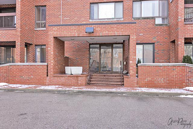 3801 Appian Way #107, Glenview, IL 60025 (MLS #10385619) :: Helen Oliveri Real Estate