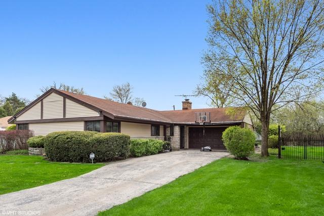 3253 Sprucewood Lane, Wilmette, IL 60091 (MLS #10385718) :: Berkshire Hathaway HomeServices Snyder Real Estate