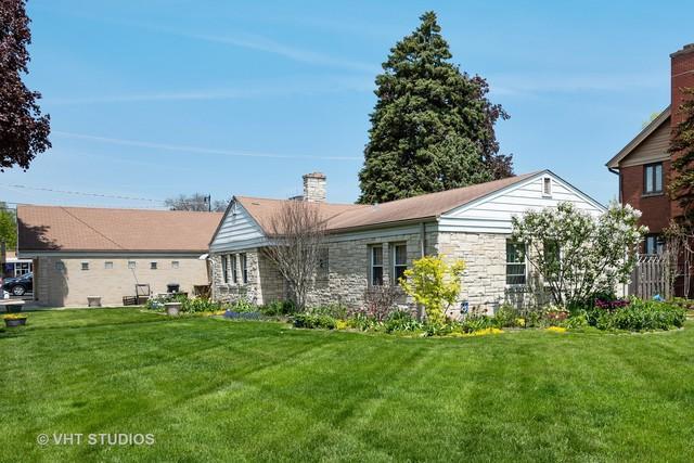 8733 Major Avenue, Morton Grove, IL 60053 (MLS #10385766) :: Helen Oliveri Real Estate