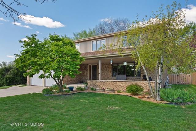 2712 N Windsor Drive, Arlington Heights, IL 60004 (MLS #10385773) :: Helen Oliveri Real Estate