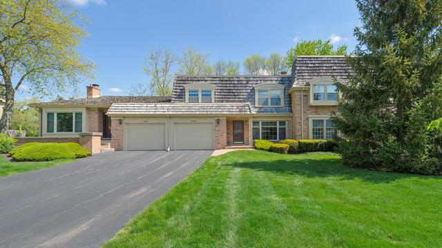 19W018 Avenue Normandy E, Oak Brook, IL 60523 (MLS #10385832) :: Berkshire Hathaway HomeServices Snyder Real Estate