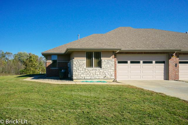 320 River Run Drive, St. Anne, IL 60964 (MLS #10385877) :: Ryan Dallas Real Estate