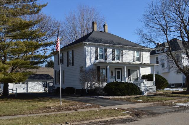 317 N Vernon Street, Princeton, IL 61356 (MLS #10385938) :: Berkshire Hathaway HomeServices Snyder Real Estate