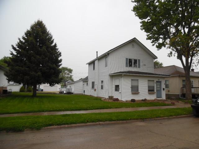 612 13th Avenue, Fulton, IL 61252 (MLS #10386003) :: Berkshire Hathaway HomeServices Snyder Real Estate