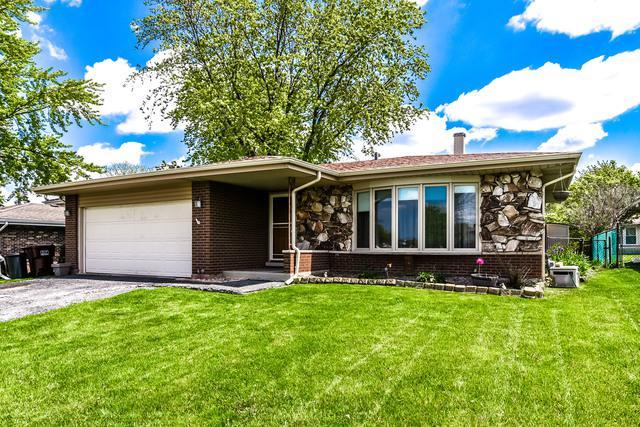 15521 Ridgeland Avenue, Oak Forest, IL 60452 (MLS #10386142) :: Berkshire Hathaway HomeServices Snyder Real Estate