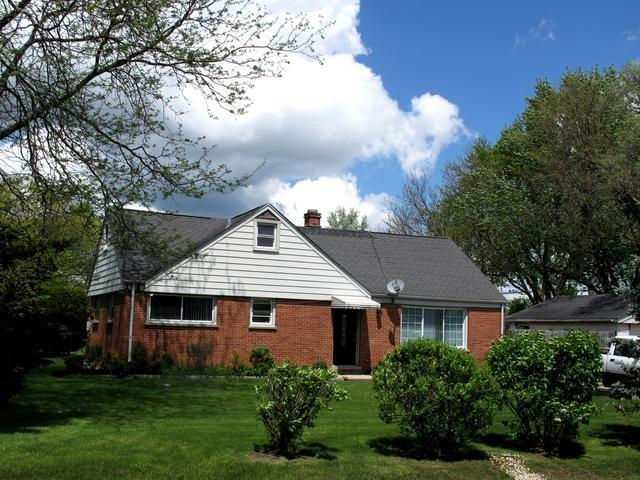 96 Fox Lane, Wheeling, IL 60090 (MLS #10386170) :: Helen Oliveri Real Estate
