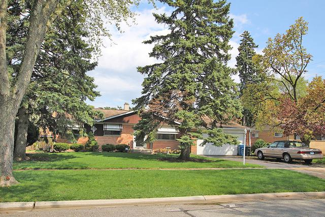 1075 Leahy Circle, Des Plaines, IL 60016 (MLS #10386377) :: Berkshire Hathaway HomeServices Snyder Real Estate