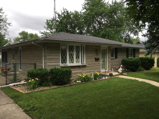 2502 W Glenwood Avenue, Joliet, IL 60435 (MLS #10386398) :: Berkshire Hathaway HomeServices Snyder Real Estate