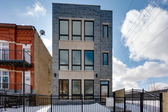 2601 W Washington Boulevard #1, Chicago, IL 60612 (MLS #10386685) :: Berkshire Hathaway HomeServices Snyder Real Estate
