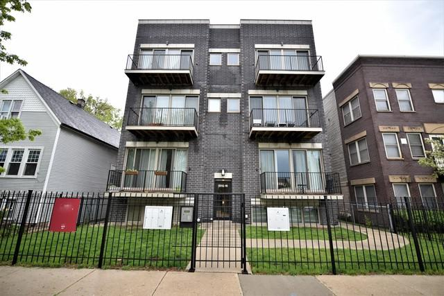 3518 W Wabansia Avenue G, Chicago, IL 60647 (MLS #10386795) :: Berkshire Hathaway HomeServices Snyder Real Estate