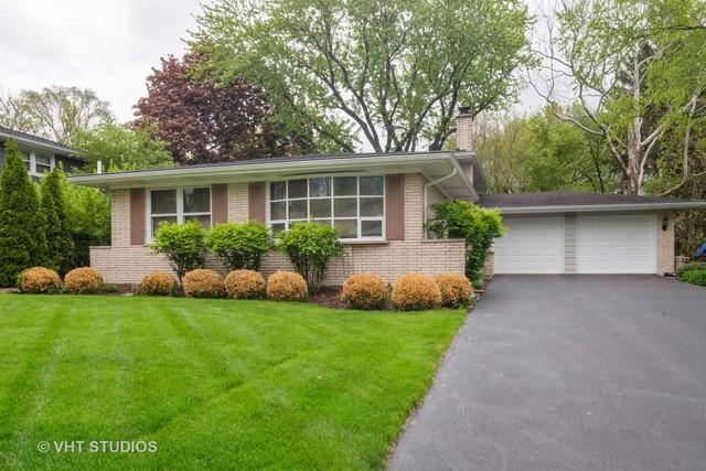 5823 Dearborn Parkway, Downers Grove, IL 60516 (MLS #10386893) :: Berkshire Hathaway HomeServices Snyder Real Estate