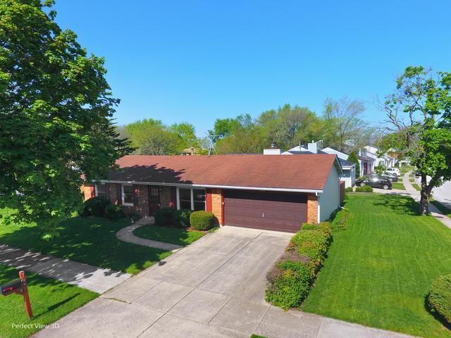700 Almond Drive, Aurora, IL 60506 (MLS #10386940) :: HomesForSale123.com