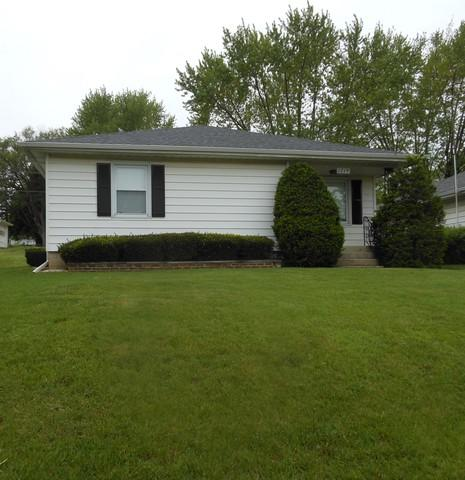 1719 N Hickory Street, Crest Hill, IL 60403 (MLS #10387037) :: Century 21 Affiliated