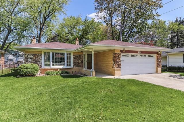 202 W Lonnquist Boulevard, Mount Prospect, IL 60056 (MLS #10387047) :: Berkshire Hathaway HomeServices Snyder Real Estate