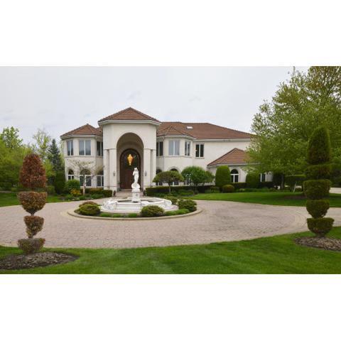 10 Broadleys Court, Bannockburn, IL 60015 (MLS #10387247) :: Berkshire Hathaway HomeServices Snyder Real Estate