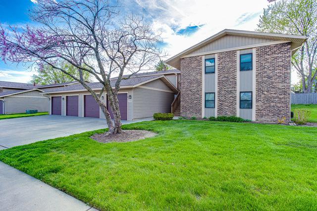 5755 Bavarian Court C, Hanover Park, IL 60133 (MLS #10387363) :: Berkshire Hathaway HomeServices Snyder Real Estate