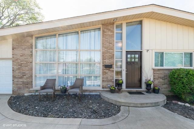 319 E Huntington Lane, Elmhurst, IL 60126 (MLS #10387396) :: Berkshire Hathaway HomeServices Snyder Real Estate