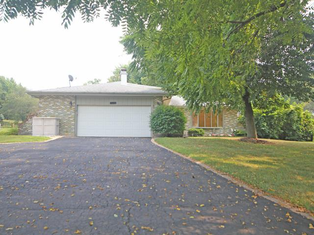 39W467 Hemlock Drive, St. Charles, IL 60175 (MLS #10387495) :: Berkshire Hathaway HomeServices Snyder Real Estate