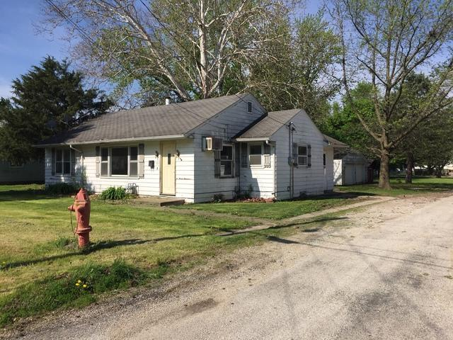 721 N George Street, CLINTON, IL 61727 (MLS #10387529) :: Berkshire Hathaway HomeServices Snyder Real Estate