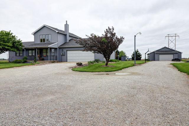 1719 Raymond Drive, OGDEN, IL 61859 (MLS #10387631) :: Littlefield Group