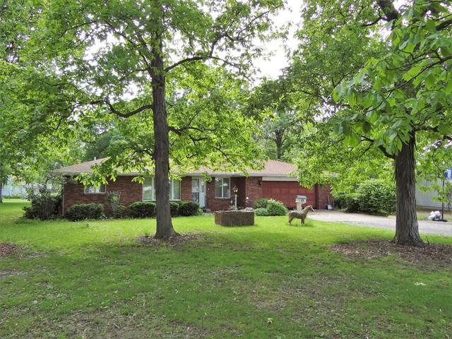 1 Hickory Lane, CAMARGO, IL 61919 (MLS #10387638) :: Berkshire Hathaway HomeServices Snyder Real Estate