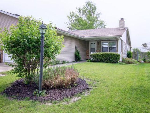 3103 Old Warson Road B, Champaign, IL 61822 (MLS #10387701) :: Berkshire Hathaway HomeServices Snyder Real Estate