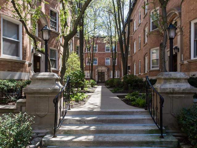 631 W Barry Avenue 1G, Chicago, IL 60657 (MLS #10387837) :: Berkshire Hathaway HomeServices Snyder Real Estate