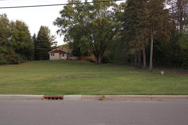 30W210 Calumet Avenue W, Warrenville, IL 60555 (MLS #10387855) :: Berkshire Hathaway HomeServices Snyder Real Estate