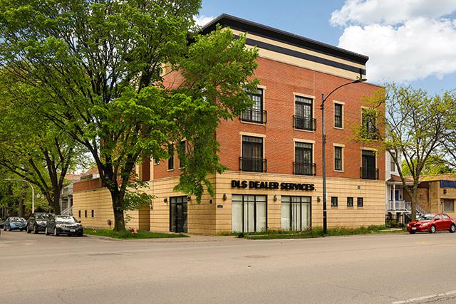 2400 W Warner Avenue 4E, Chicago, IL 60618 (MLS #10387941) :: Domain Realty