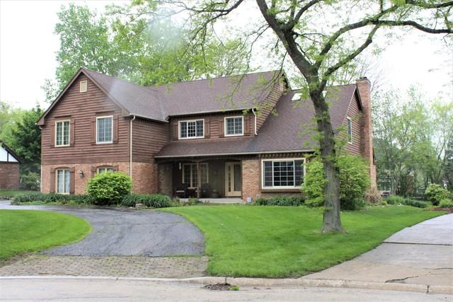 640 Camelot Drive, Burr Ridge, IL 60527 (MLS #10388021) :: Berkshire Hathaway HomeServices Snyder Real Estate