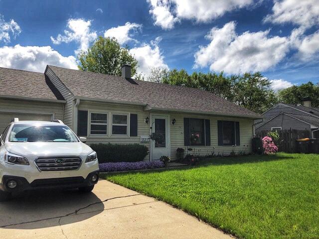821 Dorman Drive, Streamwood, IL 60107 (MLS #10388054) :: Century 21 Affiliated