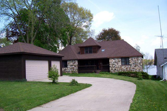 42527 N Woodbine Avenue, Antioch, IL 60002 (MLS #10388056) :: Berkshire Hathaway HomeServices Snyder Real Estate