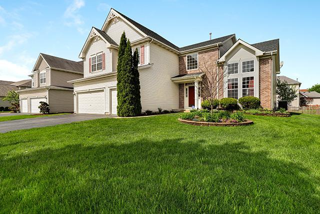 550 Golden Valley Lane, Algonquin, IL 60102 (MLS #10388059) :: Berkshire Hathaway HomeServices Snyder Real Estate