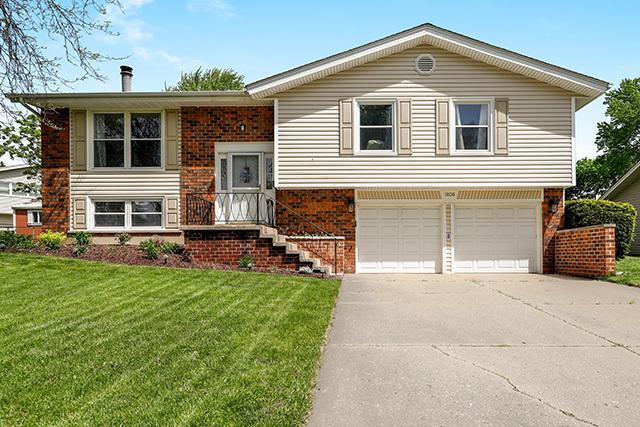 1806 Crandon Lane, Schaumburg, IL 60193 (MLS #10388064) :: Berkshire Hathaway HomeServices Snyder Real Estate