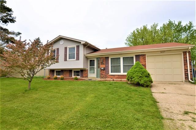 1657 S Green Meadows Boulevard, Streamwood, IL 60107 (MLS #10388083) :: Century 21 Affiliated