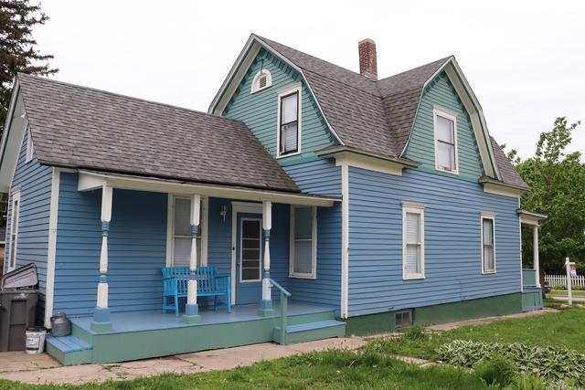 436 Lawrence Avenue, Elgin, IL 60123 (MLS #10388103) :: Ryan Dallas Real Estate