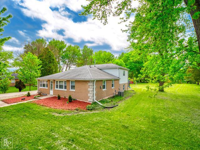 20758 N Aspen Court, Deerfield, IL 60015 (MLS #10388179) :: Berkshire Hathaway HomeServices Snyder Real Estate